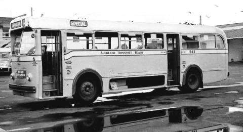1953 SR-DaimlerFreeline-D650-1953.G.Bennett