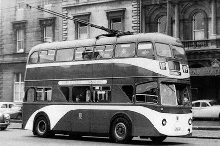 1954 Sunbeam MF2B with ROE H30-24D body RKH102 b