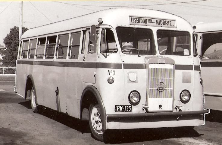 1954 Symons & Fowler bodied a Seddon Pennine Mark 4 for T Bell PW135b