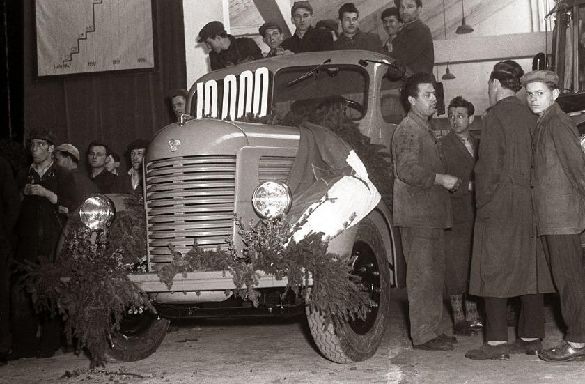 1957 Deset tisoči izdelani Pionir v tovarni TAM 1957