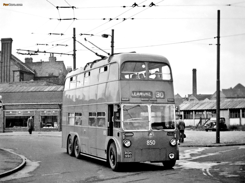 Walsall trolleybus 3 axle 850