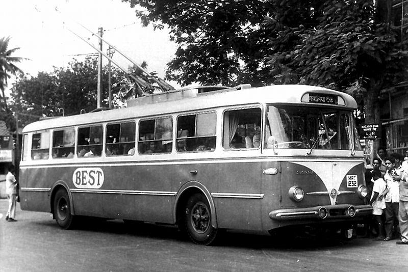 1960 Škoda 9Tr Троллейбус в Мумбаи