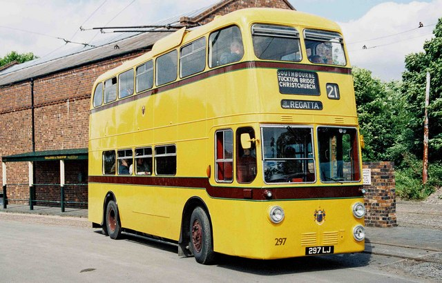 1962 Sunbeam MF2B trolleybus a