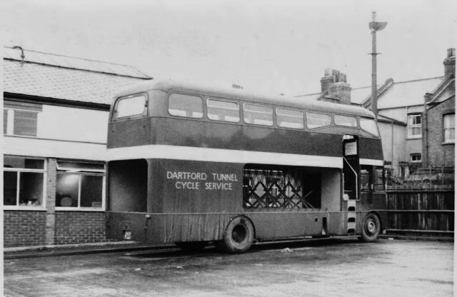 1963 OC14 Strachens Successors Ltd. of Hamble on Ford Thames Trader for London Transport Country Buses Dartford Tunnel Service only