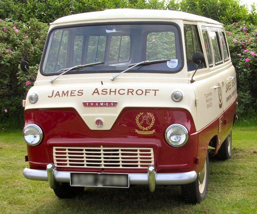 1964 Ford Thames 400E minibus kenex conversion