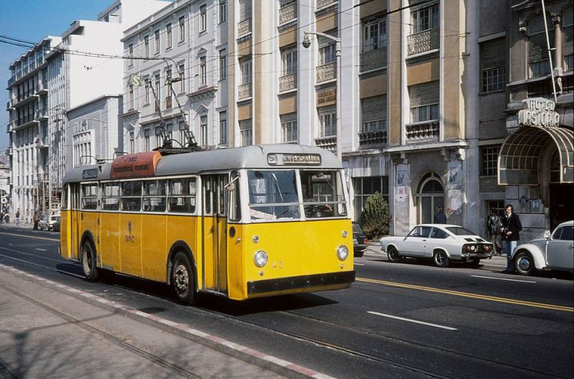 1965 Sunbeam MF2NS UTIC trolleybu