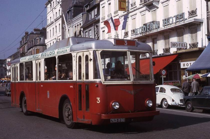 1966 JHM-1966-0452a - Mulhouse, trolleybus Somua & bus Floirat