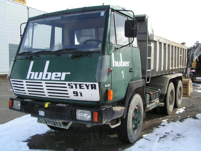 1979 Steyr1004