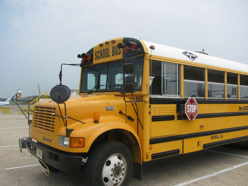 2000 Carpenter Classic bus