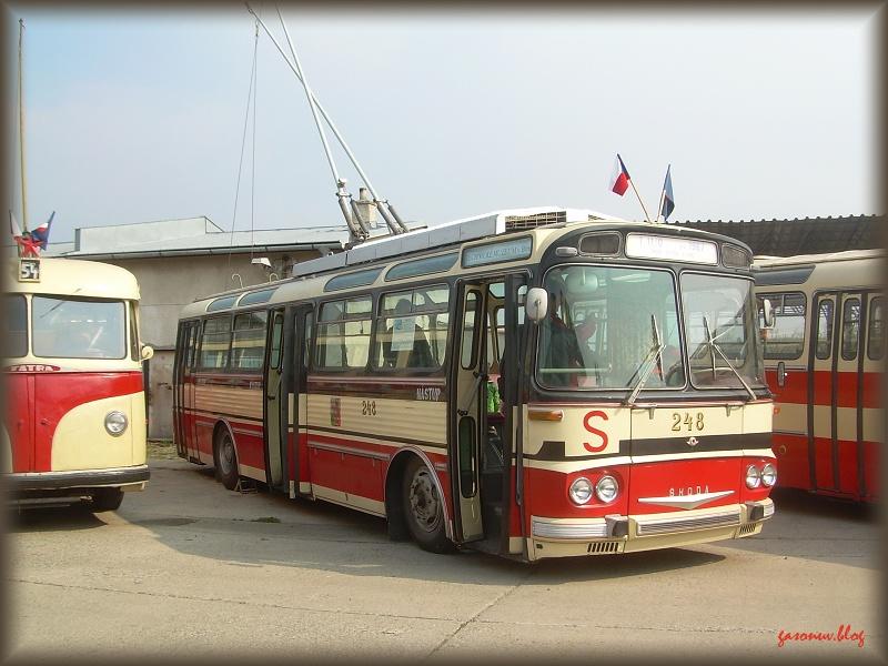 Škoda 248