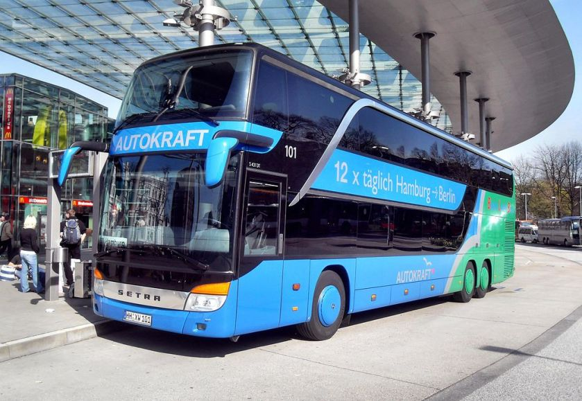 Hamburger ZOB- Autokraft-Bus Setra HH-XW-101 (Berlin Linien Bus) 9.4.2009