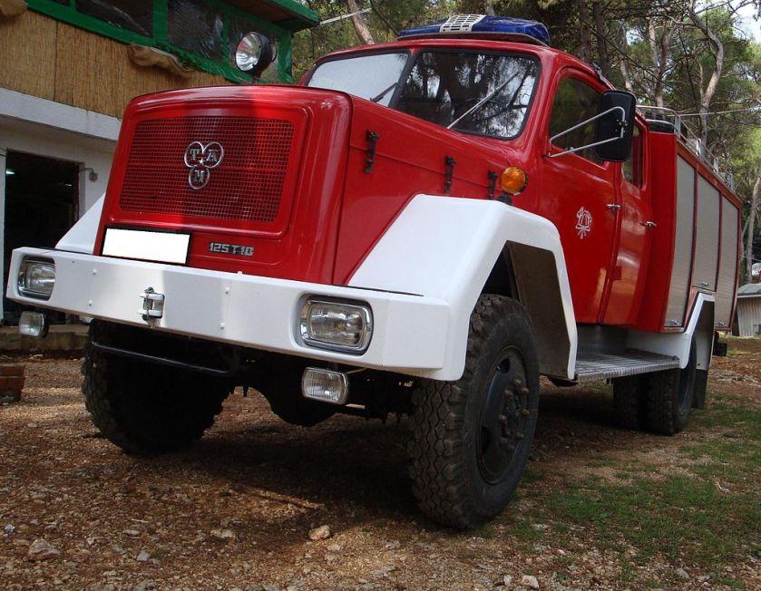 TAM 125 T10 fire truck