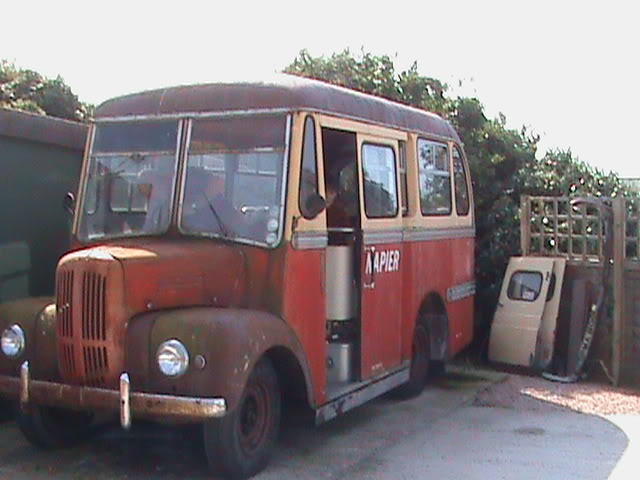 Trojan bus John 1
