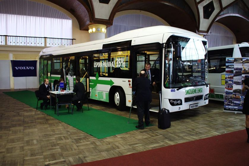 02 Praha, Holešovice, Výstaviště, Czech hybridní autobus Volvo