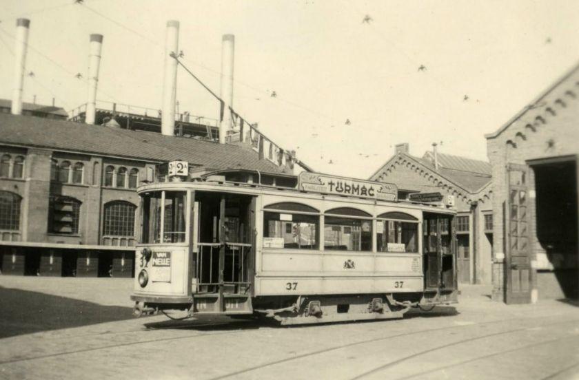 1908 Motorwagen 37 van de Gemeentetram Utrecht.