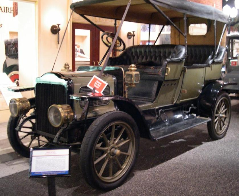 1909 White Touring Car