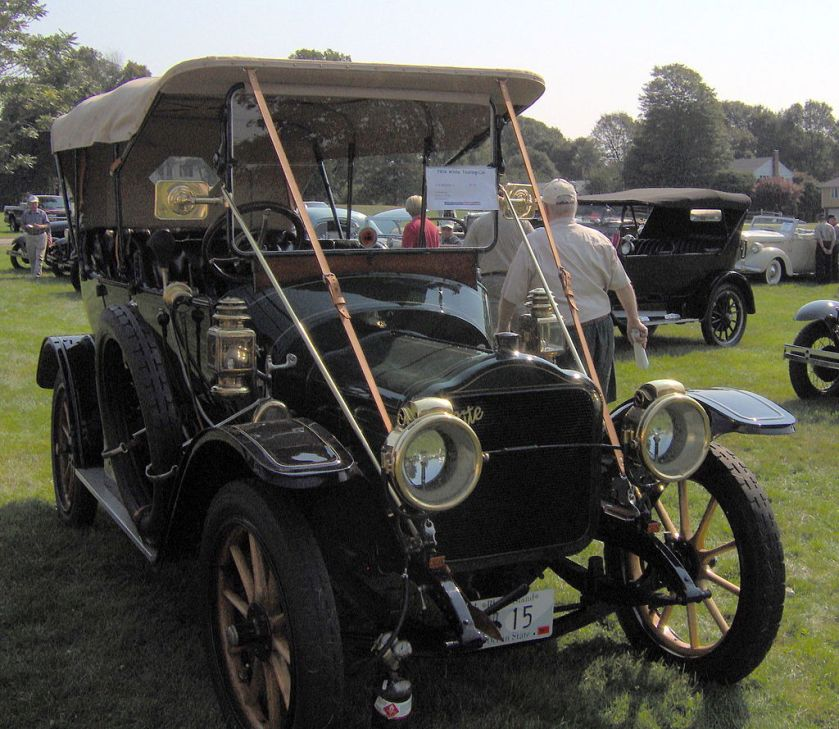 1910 White_touring_car