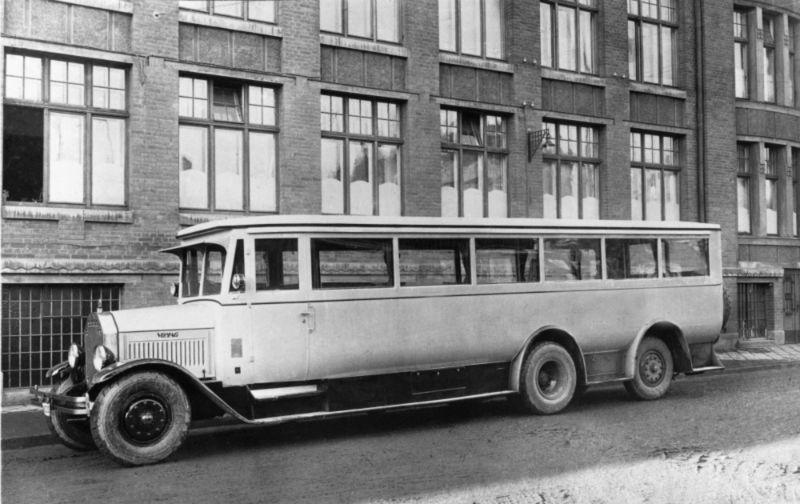 1924-brachte-VOMAG-erste-Dreiachser-auf-den-Markt