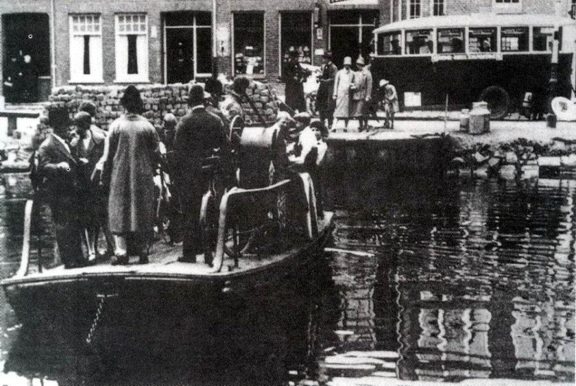 1925 White - White A'dam