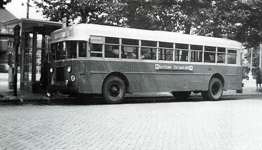 1930 Twin Coach, Kent, Ohion(USA) - M.C. van der Wal, Haarlem Adam busserie23