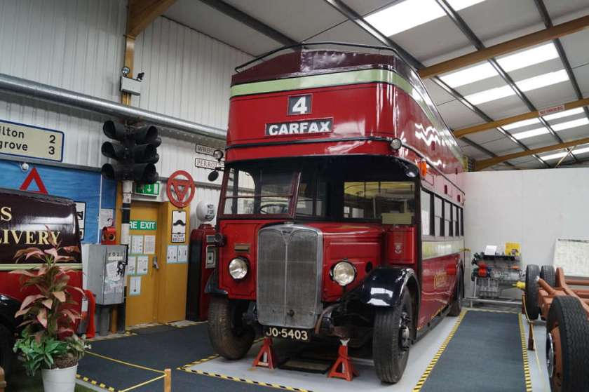 1932, JO5403 is an AEC Regent and carries a Brush body