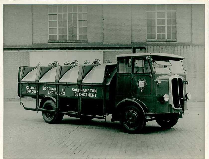 1932 Thornycroft dump truck