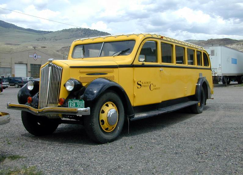 1934 White yellowstone bus 04