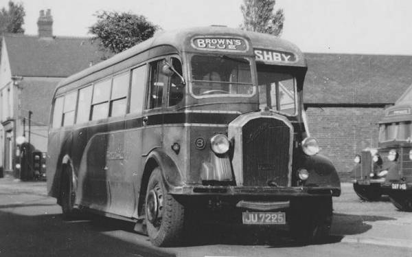 1935 Dennis Lancet with Willowbrook C31F body