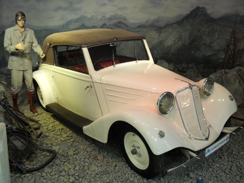 1935 Tatra T75 4-zit cabriolet
