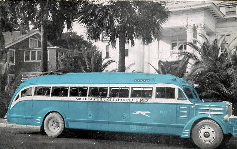1935 White model 54A, bus 810 SEGL