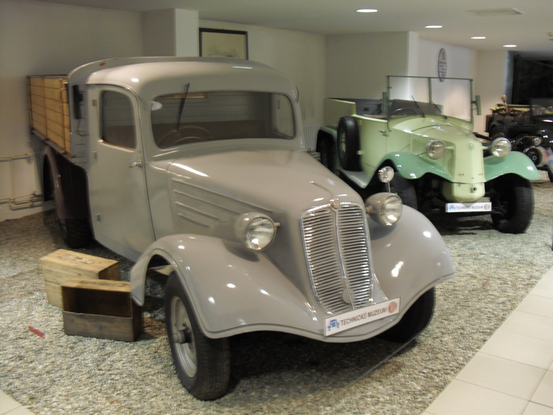 1935+36 Tatra 43 52 vrachtwagen en Tatra T72