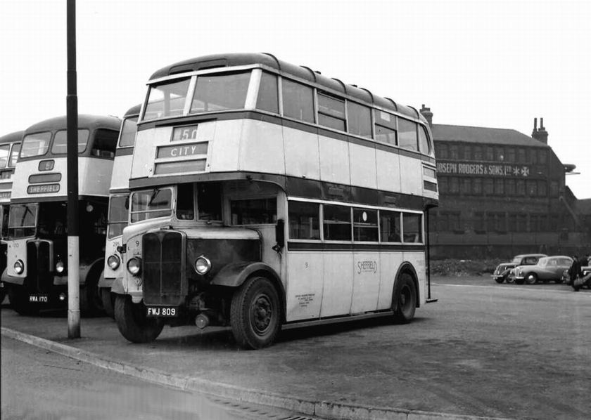 1939 AEC Regent I with Weymann H29-26R