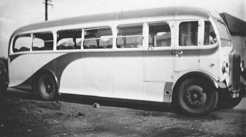 1939 Albion with Willowbrook C39F body