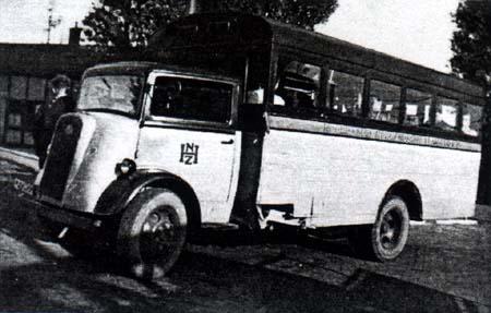 1946 Ford-Thames noodautobussen voor 31 personen, Verheul mei 1946
