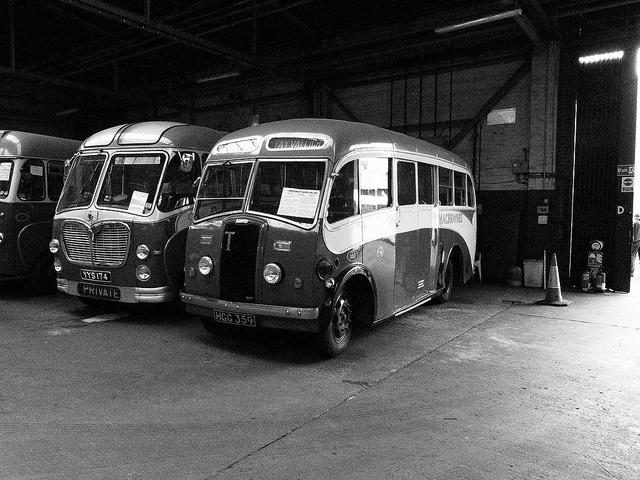 1949 Thornycroft Nippy HGG359 & Bedford SB YYS174.