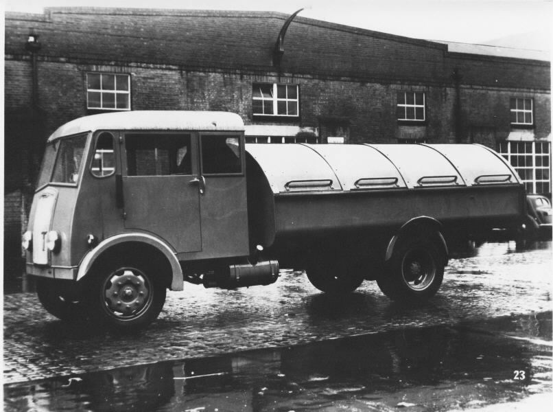 1949 Thornycroft Nippy4