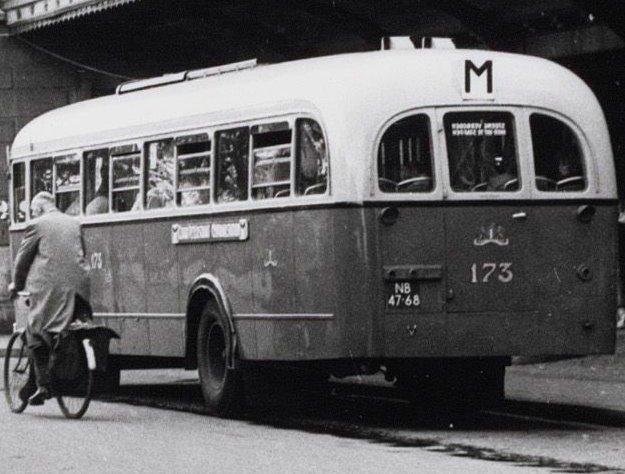 1950 Kromhout-Verheul TB-5T NB-47-68, Stationsplein Amsterdam 1954