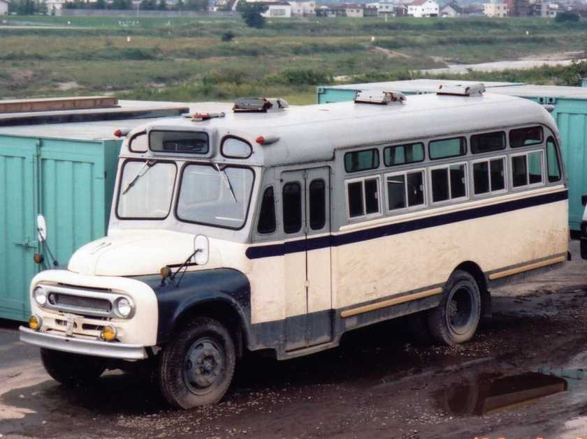 1951 FB-Toyota-Bonnet-Bus