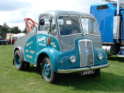 1951 Thornycroft Nippy (2)