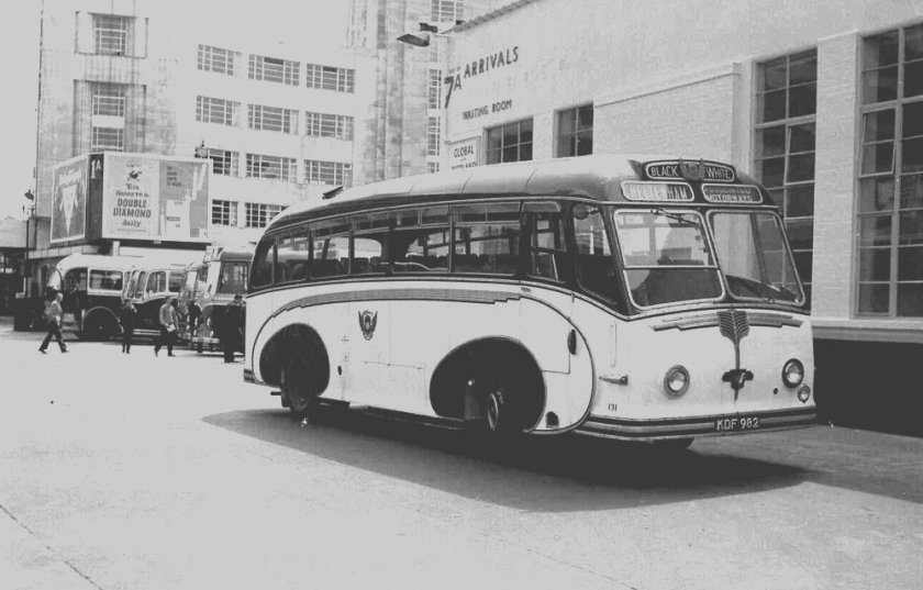 1951 Willowbrook C33C bodied Leyland PSU1-11 Royal Tiger