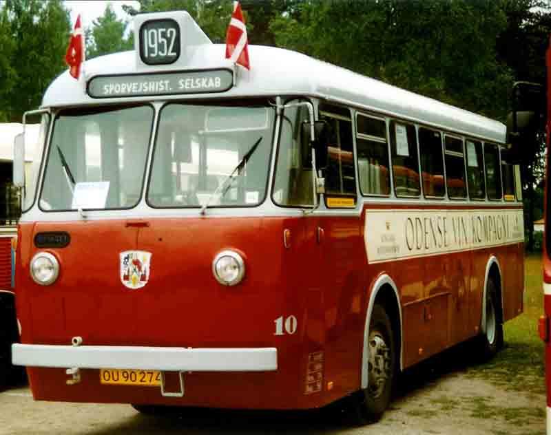 1952 Volvo B655 Bus