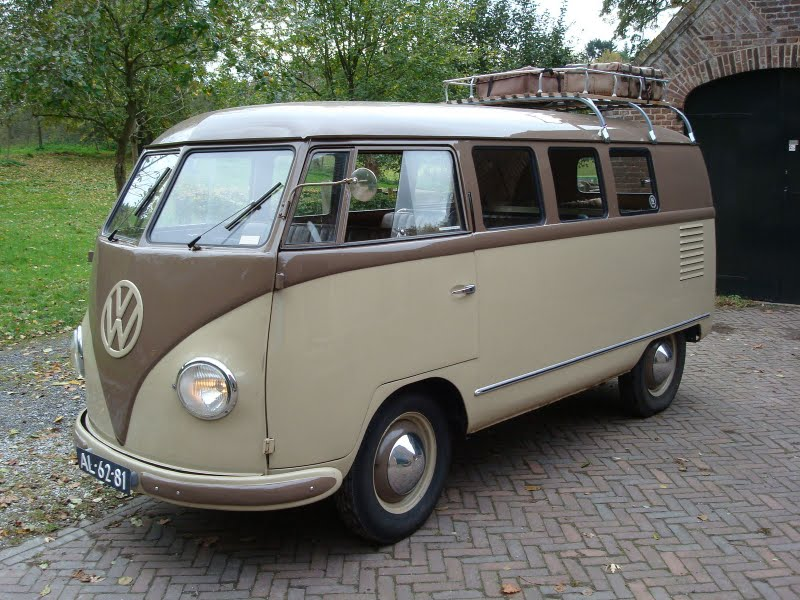 1952_VW_Barndoor_brown_back