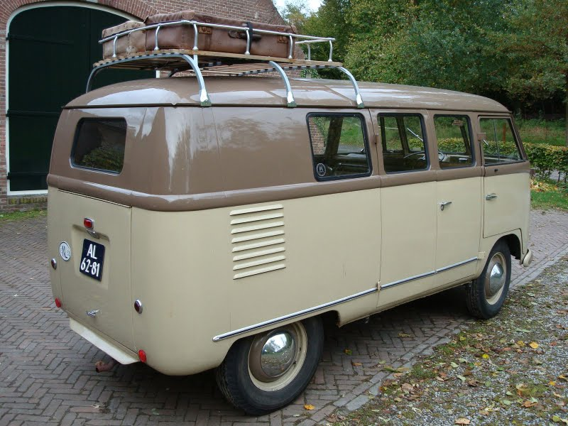 1952_VW_Barndoor_brown_back2