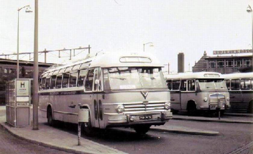 1953 AEC Regal MkIV AEC 219G carr Verheul GTW 391