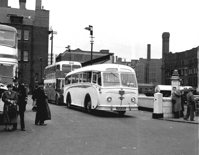 1953 Willowbrook C37C bodied Leyland Royal Tiger