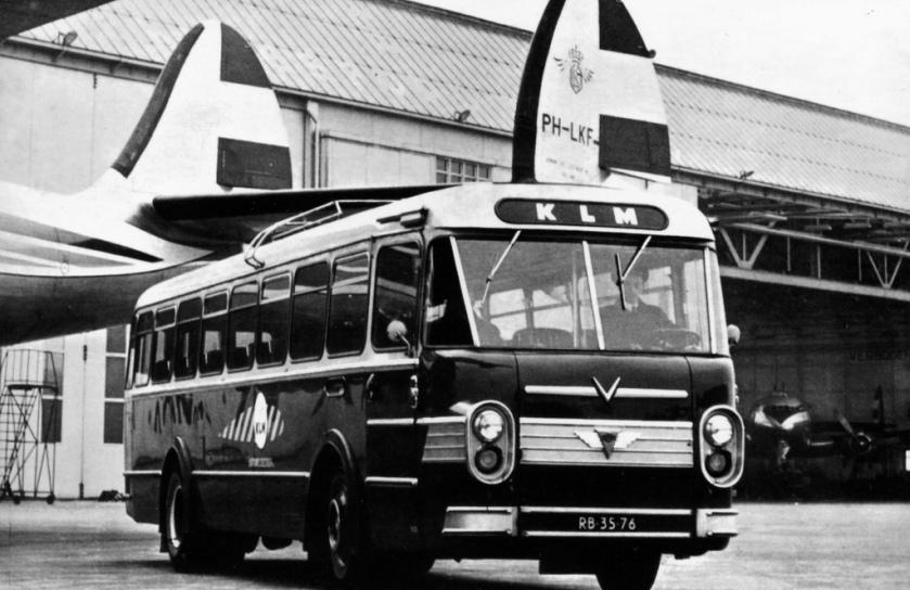 1954 AEC Verheul KLM-ABB bus 5628 Schiphol Airport