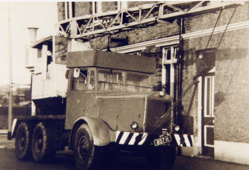 1954 Thornycroft Amazon WF swb Coles Mk7 Crane