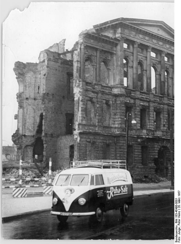 Berlin, Friedrich-Ebert-Straße, Ruine