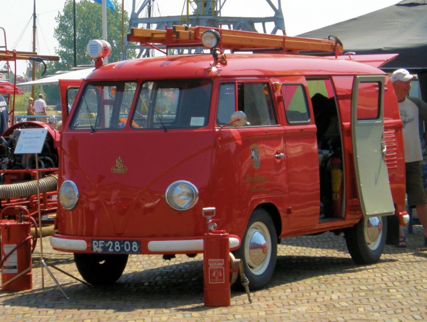 1957 VW Bus Brandweer - Fire engine