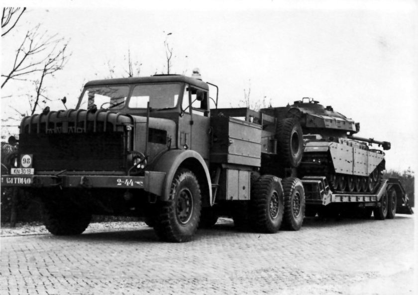 1958 Thorncroft Antar Mk2 tractor & Centurion tank, in use by the Dutch Army Mighty Antar Trekker 2